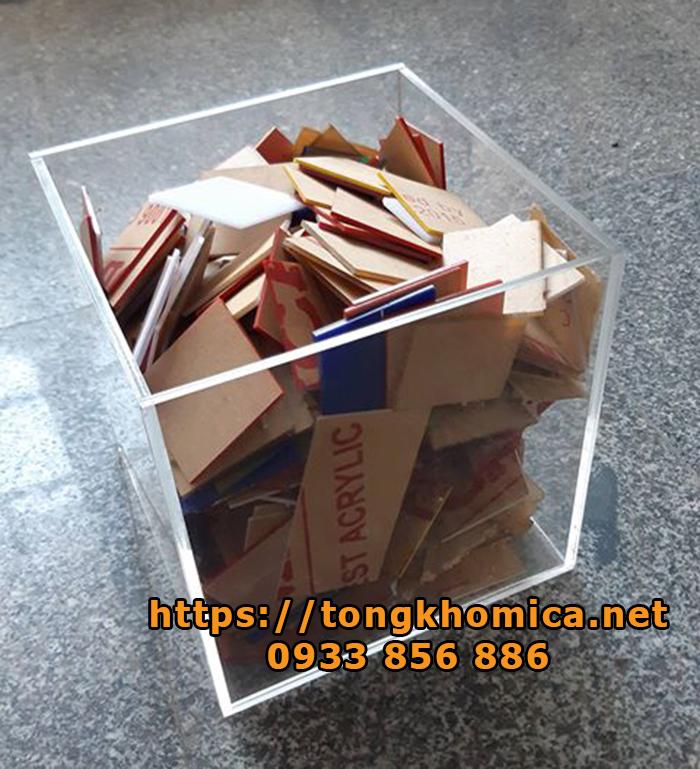 thùng rác bằng mica